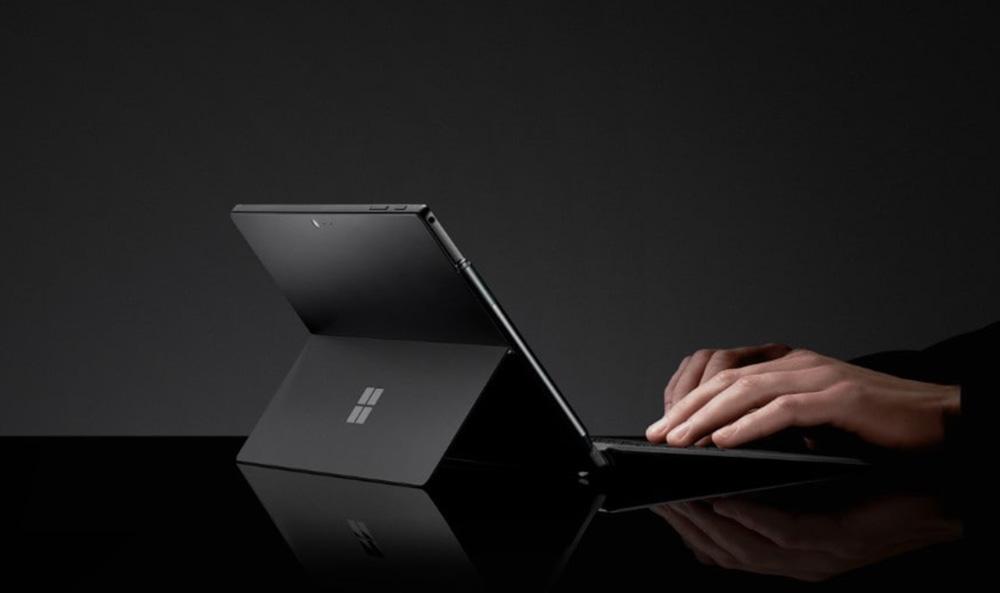 SurfacePro6の新色ブラックカラー