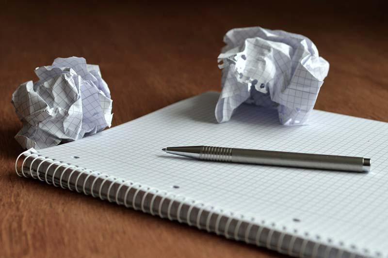 アイキャッチ画像(ノートとペン)